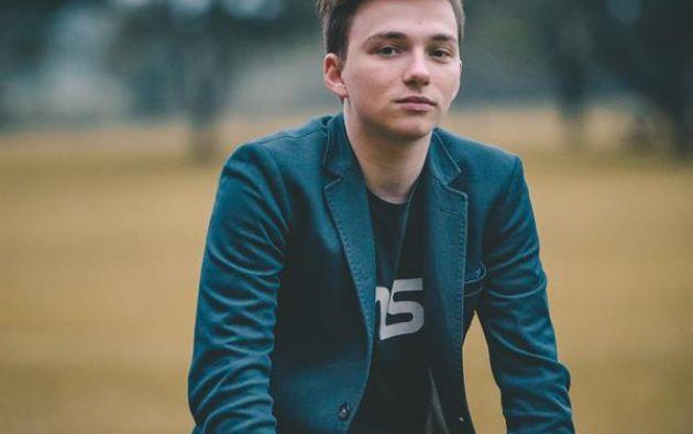 El emprendedor argentino Mateo Salvatto tiene 21 años y a los 17 creó Háblalo. Foto: EFE.