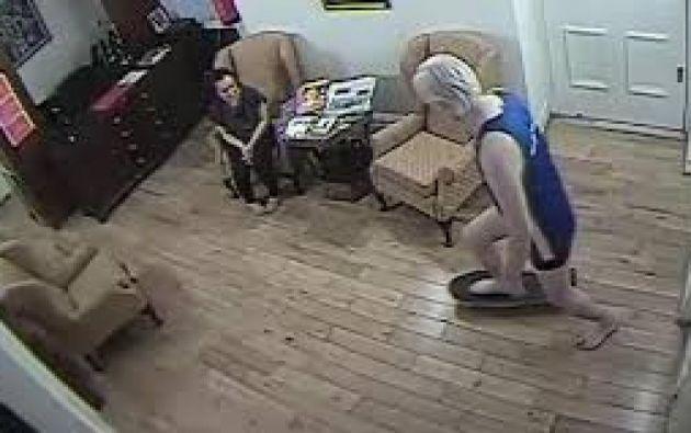 Según su versión, las visitas se realizaban en una sala con cámara de seguridad.