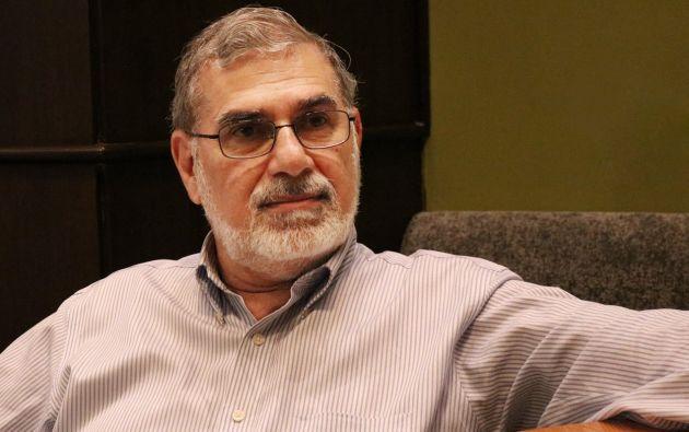 Actualmente Dahik es el director de la Escuela de Negocios de la Universidad de Especialidades Espíritu Santo (UEES).