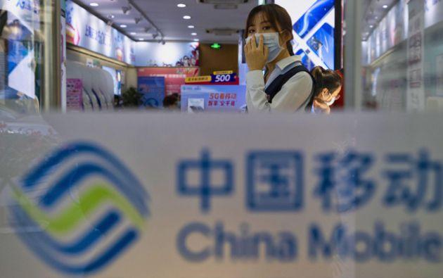Algunas delas empresas afectadas por este veto son compañías de telecomunicaciones como China Telecom y China Mobile. Foto: EFE