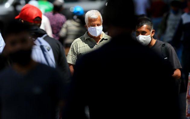 En total son siete los sectores de Guayaquil con el índice más alto de personas contagiadas, donde la tendencia de casos va en aumento. Foto: EFE