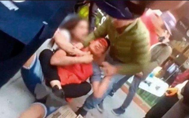 """La joven lo redujo sosteniendo su cuello y rodeándolo con sus piernas, con una llave denominada """"mataleón"""" hasta la llegada de la policía."""