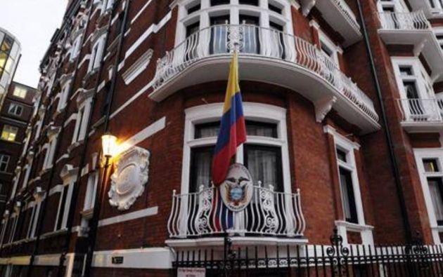 """Acusan a Assange de """"injerencia"""" en la política española y de Ecuador."""
