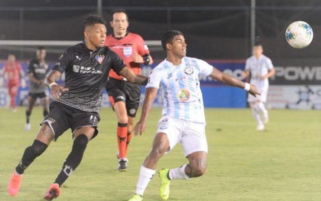 Guayaquil City hizo el favor a los otros dos equipos guayaquileños al empatar a con Liga de Quito en el Parque Samanes. Foto: Twitter de Joselo Sánchez.