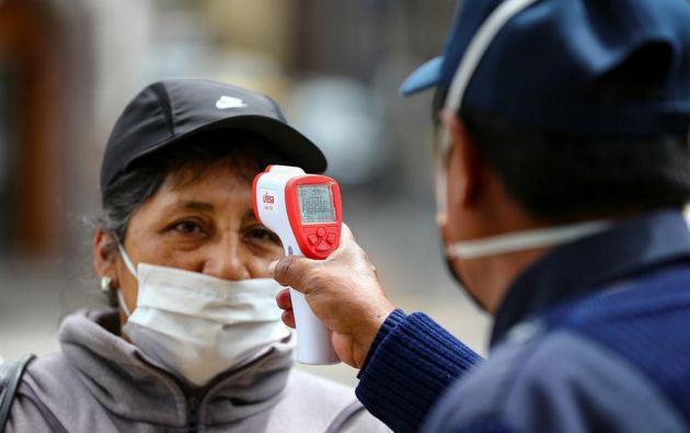 El reporte del Ministerio se basa en las 622.833 pruebas RT-PCR realizadas en Ecuador. Foto: EFE