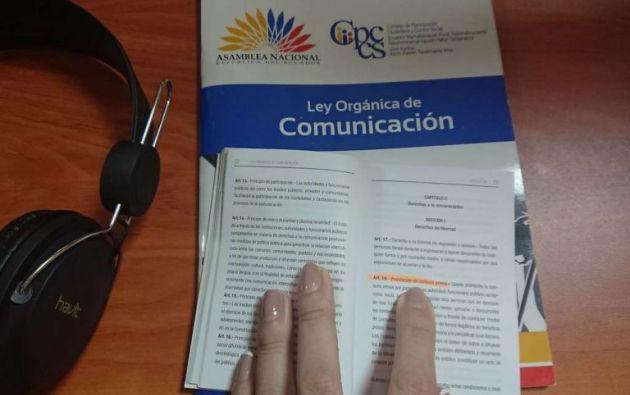 En el documento se destaca que la comunicación debe ser concebida como un derecho humano, más no como un servicio público.