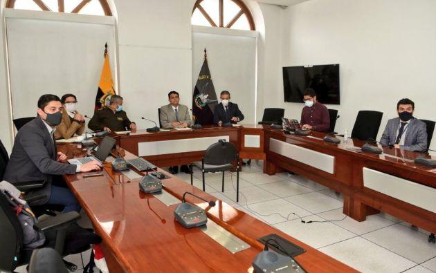 El ministro espera que en las próximas horas se concrete una reunión con la alcaldesa de Guayaquil, Cynthia Viteri.