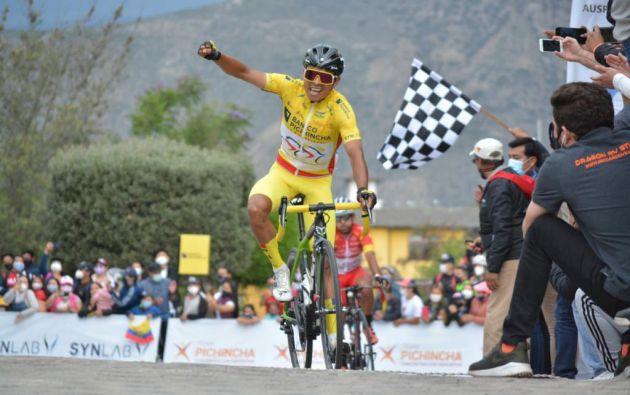 Jimmy Santiago Montenegro, de categoría sub-23, ganó la edición 37 de la Vuelta Ciclística al Ecuador. Foto: @VueltaEc