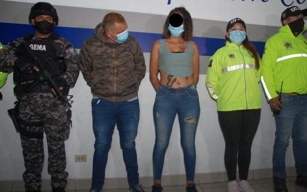 Una vez detenidos los ciudadanos, fueron trasladados hasta Quito, para que se lleve a cabo la audiencia de formulación de cargos.