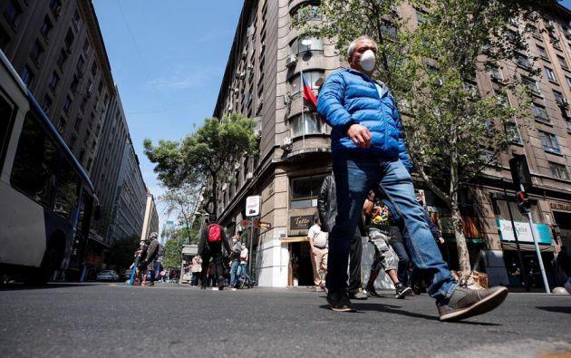 A partir del jueves, Santiago de Chile retrocederá a la fase 2 en el plan de transición. Foto: EFE