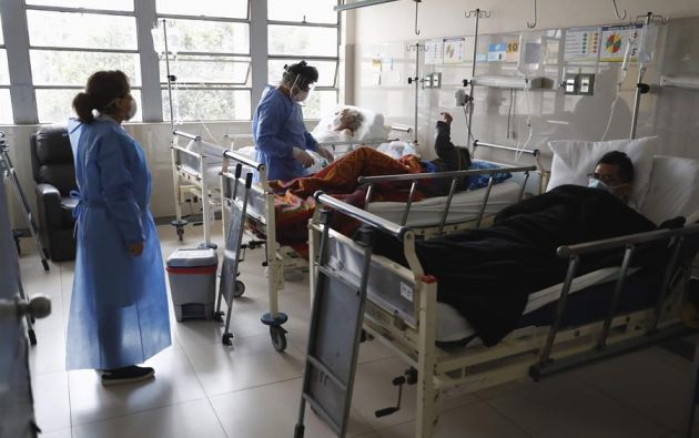 Uno de los voluntarios presentó síntomas neurológicos. Foto: EFE