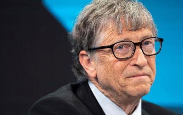 """""""Cuando sea mi turno, dejaré que vean cómo me vacuno"""", anunció Gates. Foto: EFE"""