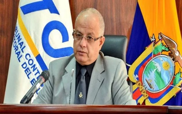 Según Cabrera, para este tipo de desacatos existe una sanción que va desde multa hasta destitución del cargo.