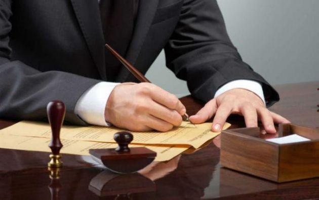 Cuando se trate de documentos privados la pena será de tres a cinco años.