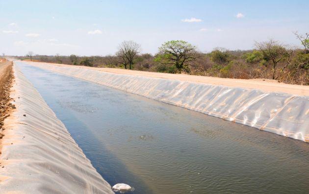 El Trasvase Daule – Santa Elena inicia desde el río Daule, a través de la estación de bombeo Daule trasvasa el recurso hídrico hasta el embalse Chongón.