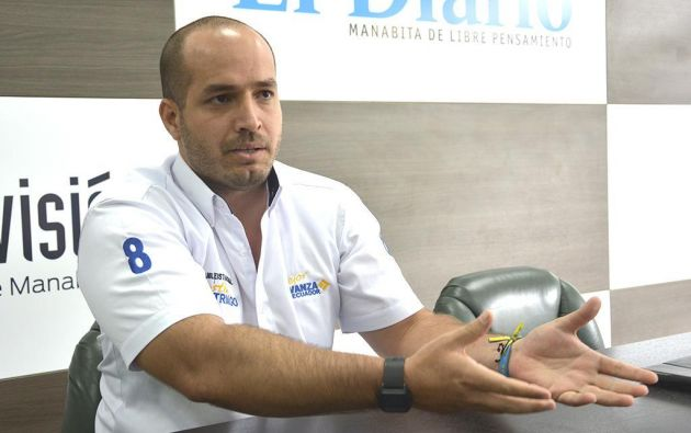 El alcalde de Manta, Agustín Intriago, estuvo una semana en la UCI del hospital Luis Vernaza, de Guayaquil, entubado y bajo coma inducido por las complicaciones derivadas del contagio de COVID-19.