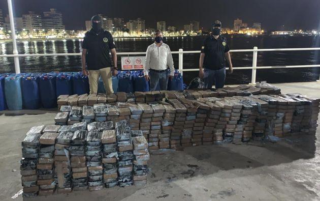 Cerca de 30 toneladas de droga fueron decomisadas en puertos del país: Guayaquil, Manta y Machala. Y esto va de la mano con el aumento de asesinatos en aquellas zonas, varios casos se relacionan con el narcotráfico.