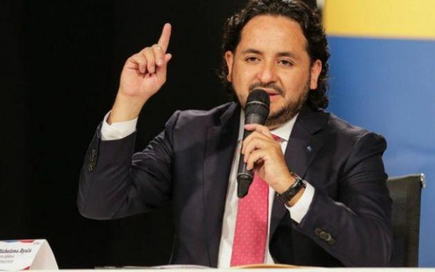 Según Michelena, su cargo de gerente en Veritas DDB fue mientras no era funcionario público.