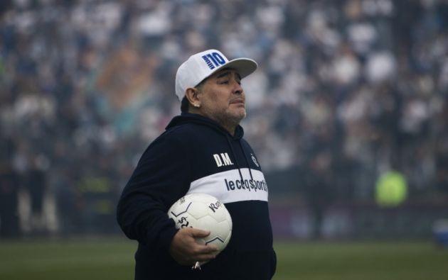 Diego Armando Maradona en el estadio de Gimnasia y Esgrima de La Plata Foto:.AFP