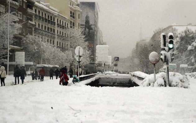 La Plaza de Colón de Madrid, este sábado, cubierta de nieve tras el paso de la borrasca Filomena. Foto: EFE.