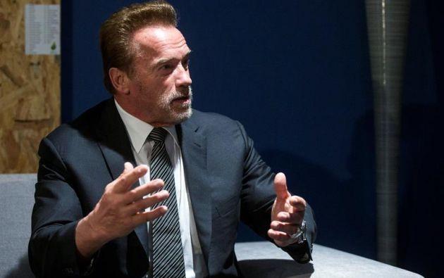 """""""No solo derribaron las puertas del Capitolio que acoge la democracia estadounidense, pisotearon los mismo principios sobre los que este país fue fundado"""", señaló Schwarzenegger."""