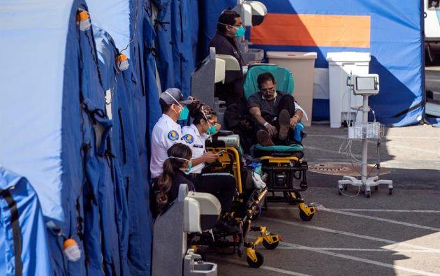 Los hospitales de Los Ángeles, en Estados Unidos, está saturados por el incremento de casos de covid-19. Foto: EFE.