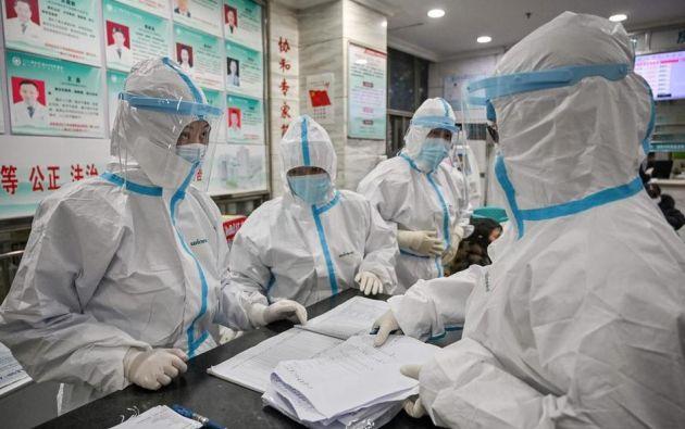 El documental ha provocado mayores críticas hacia China por actuar con lentitud ante el virus. Foto: AFP