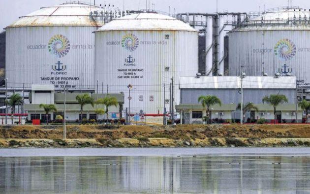 BOMBA DE TIEMPO: Un estudio determinó que esta terminal ya presenta daños en los tanques que almacenan toneladas de gas butano y propano, deterioro por el óxido y múltiples picaduras por la corrosión.