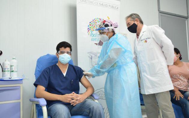 """""""Quédense tranquilos compañeros porque todos van a ser vacunados hasta finales de febrero"""", ha dicho Zevallos."""