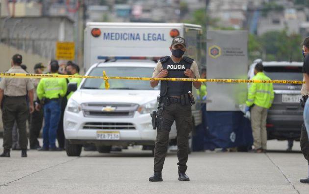 Cámaras de seguridad de la zona captaron las últimas imágenes con vida del presentador de televisión, Efraín Ruales. El material está en mano de los investigadores.