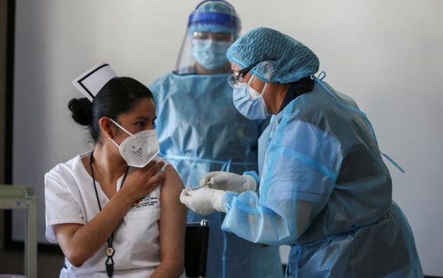 """Ecuador arrancó el pasado 21 de enero su plan nacional de vacunación con una """"fase piloto"""" que cuenta con 8.000 vacunas. Foto: EFE."""