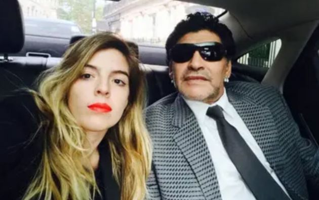 """""""Lo único que le pido a Dios es que se haga Justicia y que paguen todos los que tengan que pagar"""", dijo la hija de Maradona."""