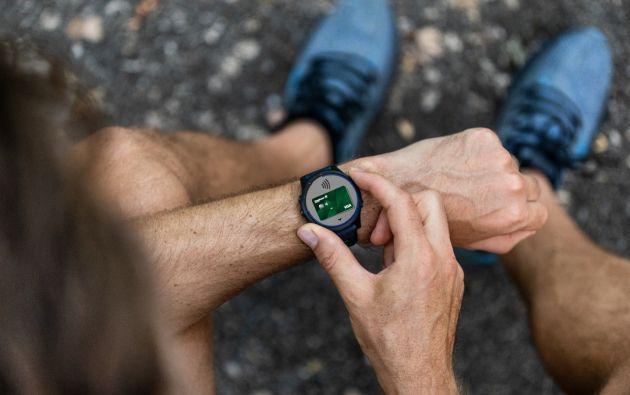 Produbanco, junto a VISA, lanzó tres billeteras digitales interoperables a través de móviles y relojes inteligentes. Foto: Cortesía.