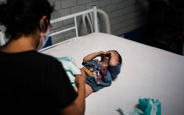 Numerosos ciudadanos estadounidenses recién nacidos fueron expulsados hacia México después de que sus madres fueran sometidas a un veto fronterizo. Foto: EFE/Sergi Rugrand/Archivo