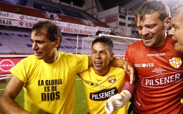 Entre lágrimas Javier Burrai festeja la victoria de Barcelona ante Liga, en Quito, el 29 de diciembre de 2020.