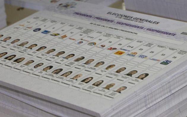 Doce de los candidatos suman el 12.38% de las votaciones, porcentaje inferior que la suma de votos blancos y nulos. Foto: API