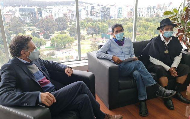 Candidato Yaku Pérez se reúne con el contralor general del Estado, Pablo Celi. Foto: Cortesía