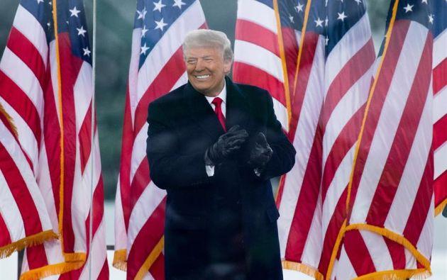 El día acabó en absolución y solo unos minutos después de que el Senado anunciara el resultado, Trump emitió un comunicado para celebrarlo. Foto: EFE