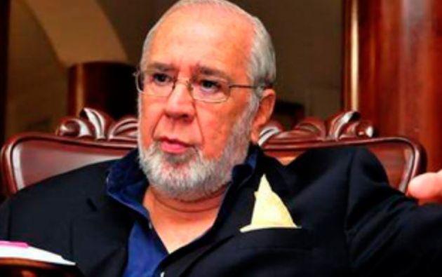 Noboa asumió la Presidencia de la República luego de que Jamil Mahuad fue derrocado en enero del 2000.