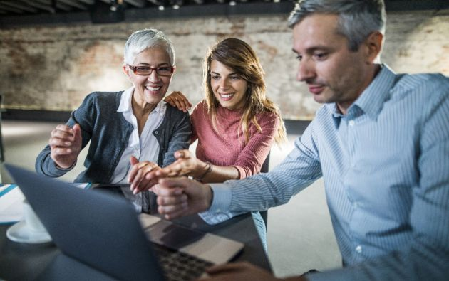 Según el informe, el 39 por ciento de los encuestados señala que sus capacidades digitales son sólidas.