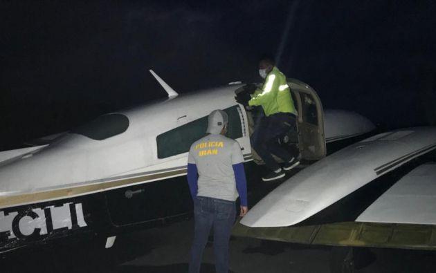 Hallan narcoavioneta en Santa Elena con 400 kilos de cocaína.