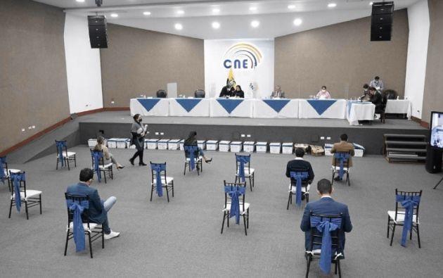 """""""Tenemos seria preocupación por el cumplimiento del calendario electoral"""", dijo Atamaint."""