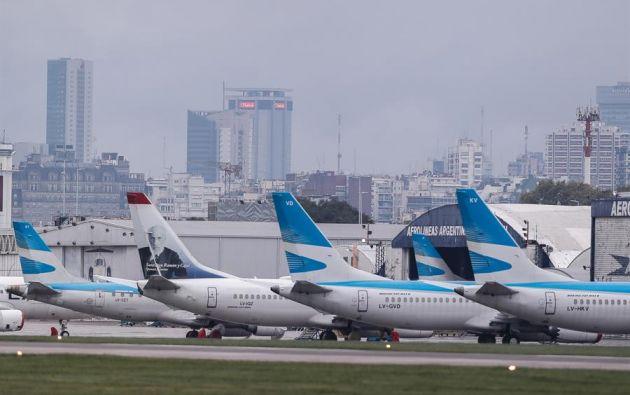 Asimismo, las únicas vías para entrar a Argentina serán las aéreas, y quedarán cerradas las terrestres. Foto: EFE