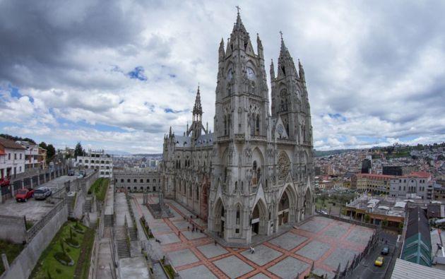En Quito se encuentra la Basílica del Voto Nacional, también llamada de la Consagración de Jesús.