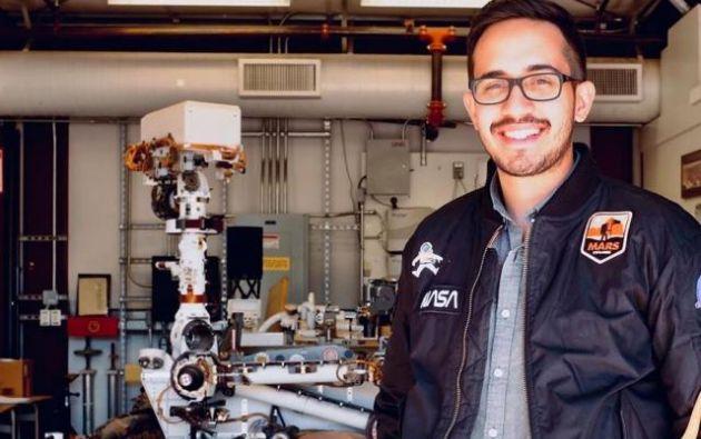 ELIO MORILLO trabaja como ingeniero de banco de pruebas del sistema Mars 2020 (Marte 2020) en el Laboratorio de Propulsión a Chorro de la NASA, entidad que logró despegar el Rover Perseverance hacia Marte en busca de rastros de vida antigua. Foto: Cortesía
