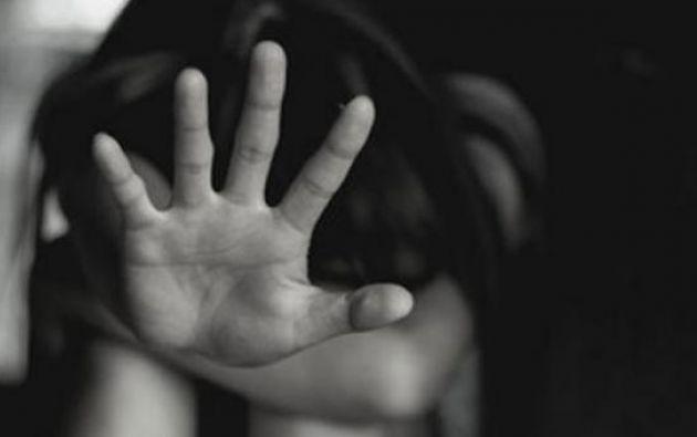 Joven fue secuestrada durante catorce horas y asfixiada con una bolsa.
