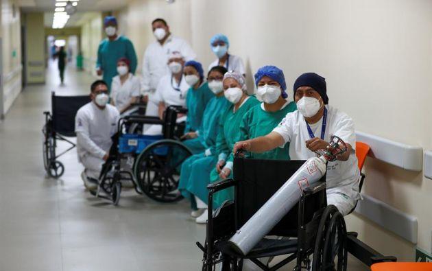 El personal sanitario presenta condiciones de agotamiento físico y mental. Foto: EFE