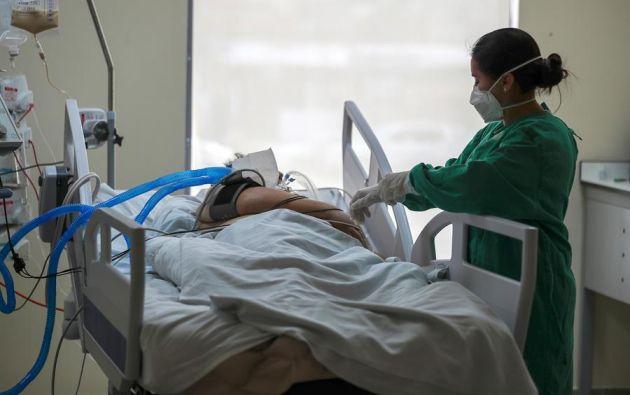Ecuador vive ola de contagios que ha provocado el desgaste del sistema de salud.