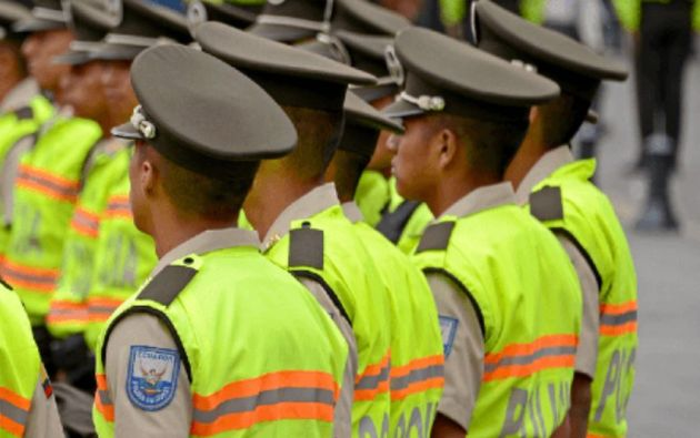 Varela anunció una intervención en Guayaquil, por lo que pidió el apoyo total a los jefes de los Distritos y Unidades.