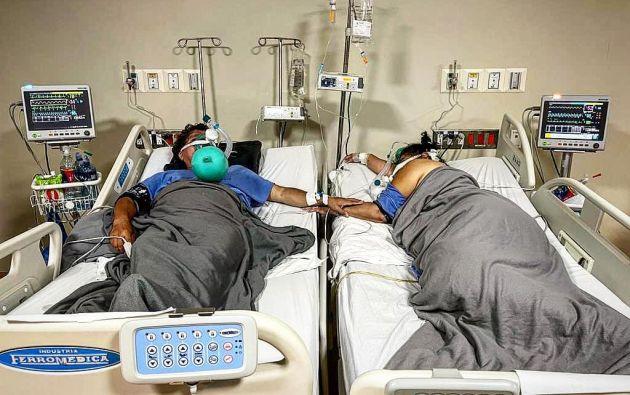 Los dos pacientes agradecieron una vez más y aseguraron de que nunca olvidarían aquel emotivo gesto. Foto: Carlos Sánchez en Facebook.